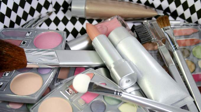4 Conseils Pour Conserver le Maquillage Plus Longtemps.
