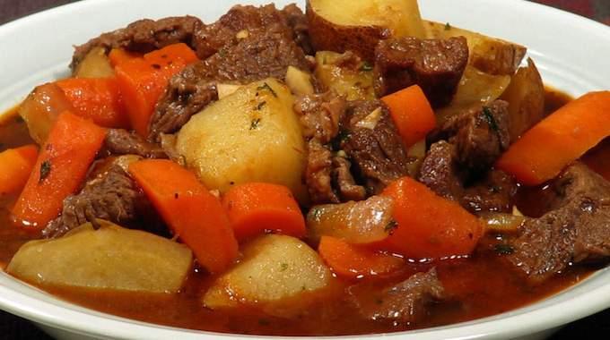 Le rago t de boeuf de grand m re une recette facile et conomique - Comment cuisiner du jarret de boeuf ...