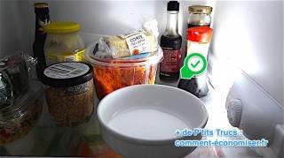 comment-desodoriser-naturellement-le-frigo-avec-du-bicarbonate