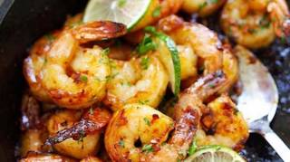 recette-simple-facile-crevettes-avec-ail-miel-citron