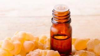 Bienfaits de l'huile essentielle d'encens ou d'oliban.