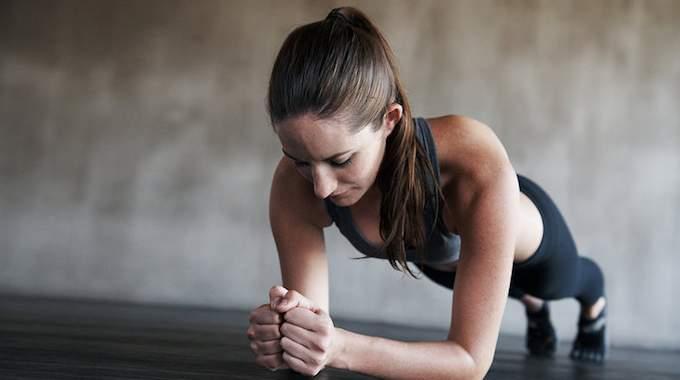 8 Exercices Que Vous Pouvez Faire N'importe Où (Et Sans Matériel).