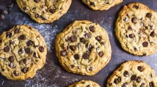 Des cookies ultra-moelleux et ultra-tendres aux pépites de chocolat... Après des années de recherches, voici LA meilleure recette au monde !