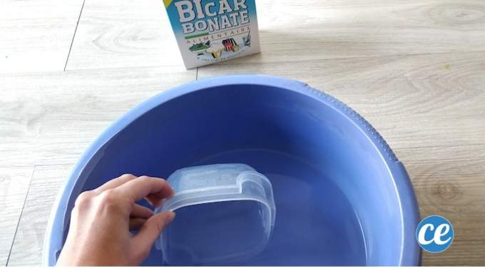 Comment Nettoyer les Boîtes En Plastique ? L'Astuce Révélée Par Ma Conseillère Tupperware.