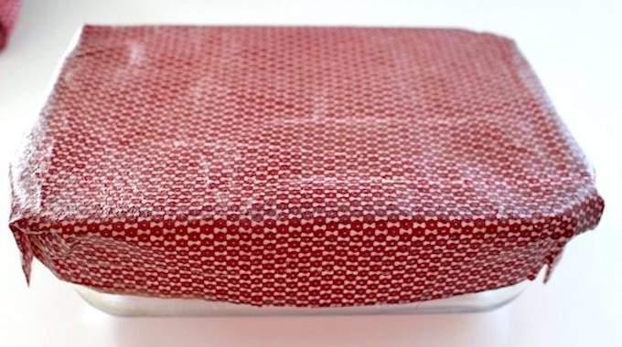 comment remplacer le film alimentaire en plastique par un. Black Bedroom Furniture Sets. Home Design Ideas