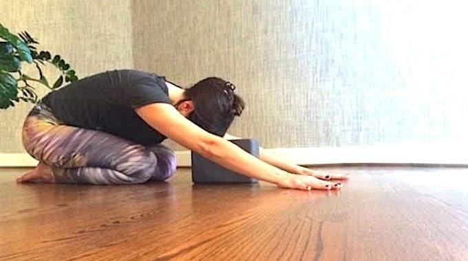 8 Postures De Yoga Pour Vous Aider à Bien Dormir.