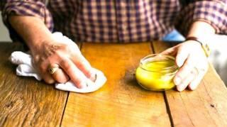 Cire à bois maison : voici la recette facile pour bichonner vos meubles en bois !