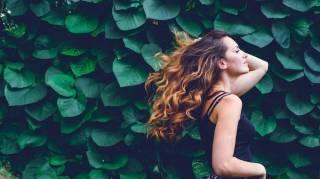 4 Astuces pour Avoir de Beaux Cheveux.