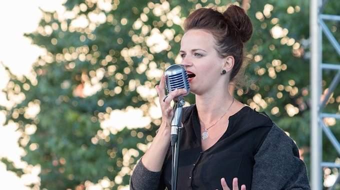 Extinction de Voix : L'Astuce d'une Chanteuse d'Opéra pour Guérir en 3 jours seulement !