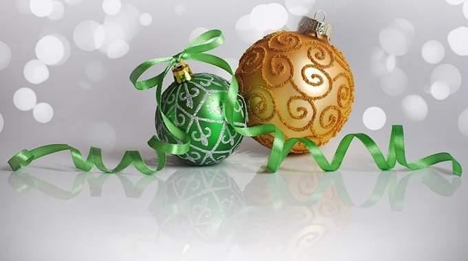 Comment J'ai Fabriqué des Boules de Noël en 15 min !