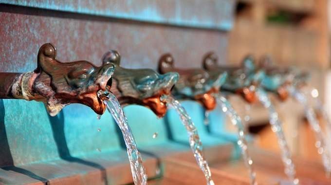 Où Boire de l'Eau Gratuitement à Paris ? Pensez aux Fontaines d'Eau Potable.