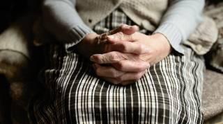 12 Habitudes De Nos Grands-Mères Que l'On N'Aurait JAMAIS Dues Oublier
