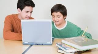 Aide aux Devoirs Gratuite sur le Net : Cyberpapy.com.
