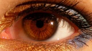 Fabriquer son Propre Eye-Liner Haut en Couleurs en 5 min.