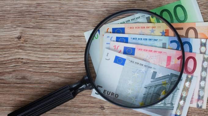 Gagner 50 € avec Comment-Economiser.fr en Bon d'Achat sur Amazon.fr.