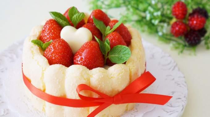 Ma recette pour la fête des mères : une charlotte aux fraises pas chère.