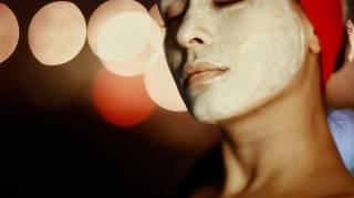 Une recette de masque pour le visage maison aux framboises, spécial peaux grasses.