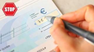 7 Bonnes Raisons d'Arrêter de Payer Par Chèque Dès Maintenant
