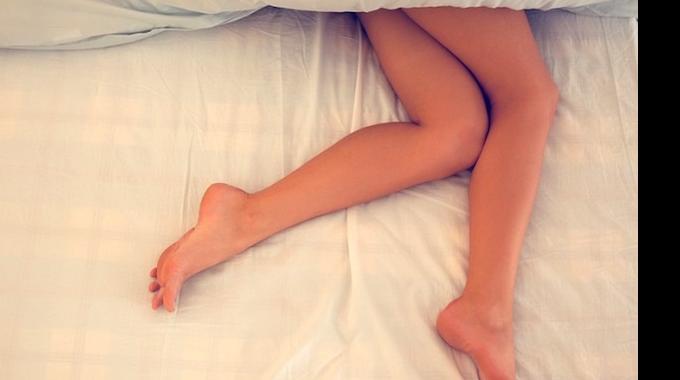 5 Bienfaits Étonnants de Dormir TOUT NU la Nuit.