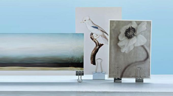 l 39 astuce pour accrocher vos photos sans faire de trous dans le mur. Black Bedroom Furniture Sets. Home Design Ideas
