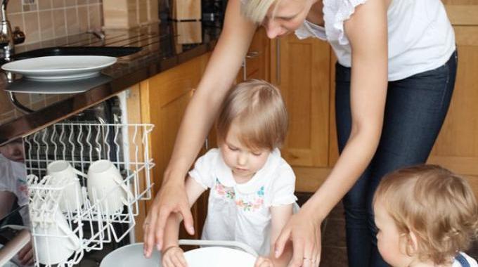 Comment vos enfants peuvent vous aider la maison for Aider a la maison