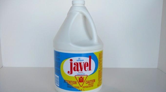 Pourquoi le vinaigre blanc le bicarbonate et l 39 eau oxyg n e sont aussi efficaces que l 39 eau de - Comment economiser de l eau ...