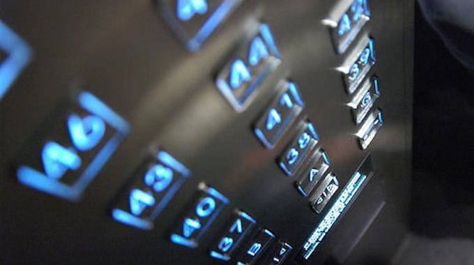 L'Astuce Pour Monter les Étages en Ascenseur Sans s'Arrêter.