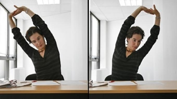 3 Astuces Simples Pour Étirer le Dos et les Epaules.