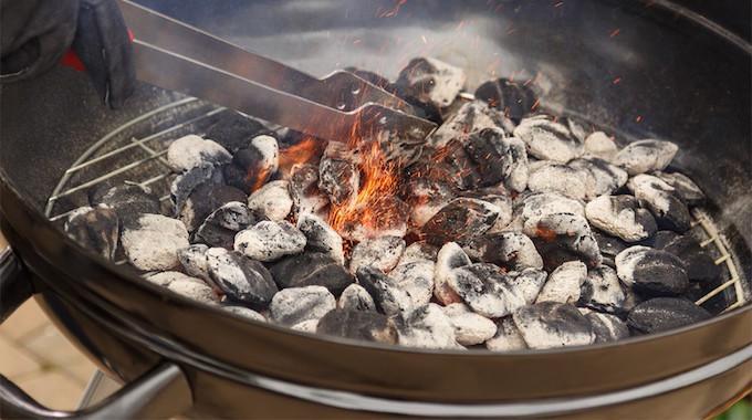 Plus Besoin d'Acheter des Allume-Feux Pour le BBQ ! Fabriquez-les En 5 Min.