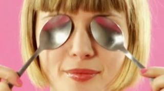 astuce anti cernes yeux