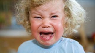 astuce calmer bebe qui pleure