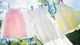 astuces naturelles pour détacher vêtements
