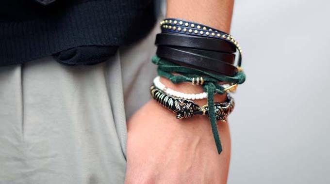L'Astuce Pour Enfin Pouvoir Attacher son Bracelet Tout Seul.