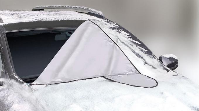 produit malin la b che anti givre indispensable pour tous ceux qui ont une voiture. Black Bedroom Furniture Sets. Home Design Ideas