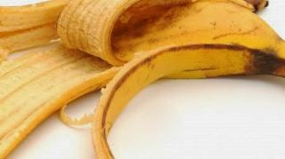 banane-levres-gercees