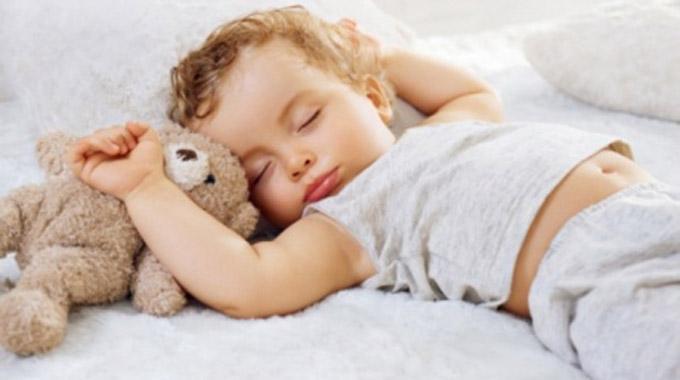4 trucs de grand m re indispensables pour dormir comme un b b. Black Bedroom Furniture Sets. Home Design Ideas