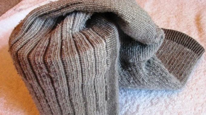 l 39 astuce pour faire s cher vos chaussettes plus vite. Black Bedroom Furniture Sets. Home Design Ideas