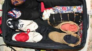 chaussures-gagner-place-valise-bord-car.jpg