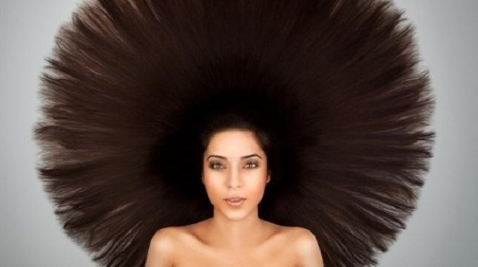 Le masque pour la croissance et la densité des cheveu la recette avec les huiles