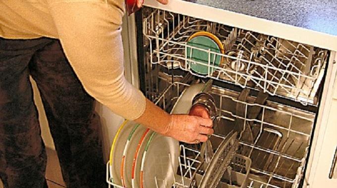 l 39 astuce anti odeurs dans le lave vaisselle. Black Bedroom Furniture Sets. Home Design Ideas