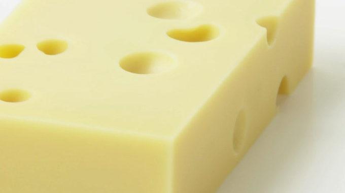 l 39 astuce pour conserver le fromage plus longtemps sans qu. Black Bedroom Furniture Sets. Home Design Ideas