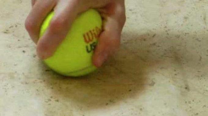 11 Astuces de nettoyage faciles et rapides pour ne pas faire le ménage pendant des heures comme Cendrillon Comment-effacer-traces-chaussures-sol-6543