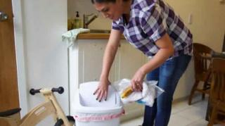 comment-eliminer-odeurs-poubelle
