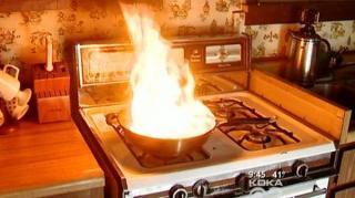 comment éteindre huile feu casserole