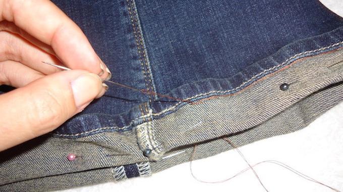 Comment Faire un Ourlet de Jeans SOLIDE Sans Machine à Coudre.