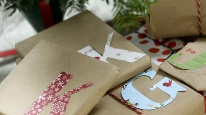 Du Papier Cadeau Pas Cher en le Fabriquant Moi-Même !