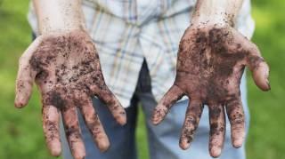 comment-laver-mains-sales-bicarbonate-soude