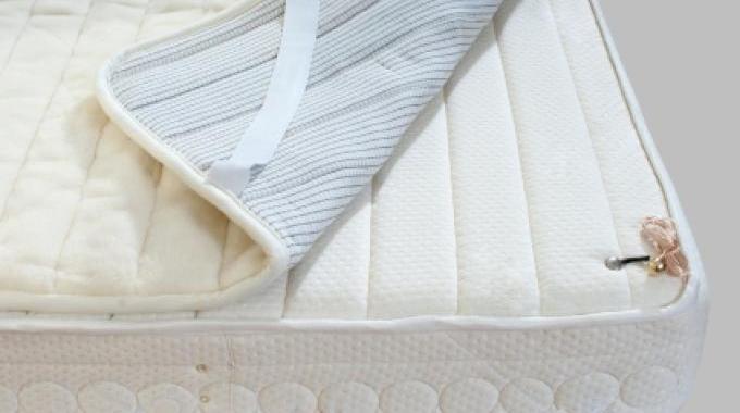 al se sale et tach e le truc magique pour qu 39 elle retrouve sa blancheur. Black Bedroom Furniture Sets. Home Design Ideas