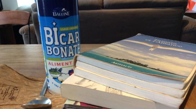 L'Astuce d'une Bibliothécaire Pour Nettoyer FACILEMENT Vos Livres Sales.