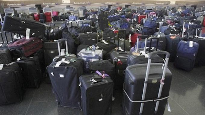 L Astuce Infaillible Pour Reconnaitre Rapidement Sa Valise A L Aeroport